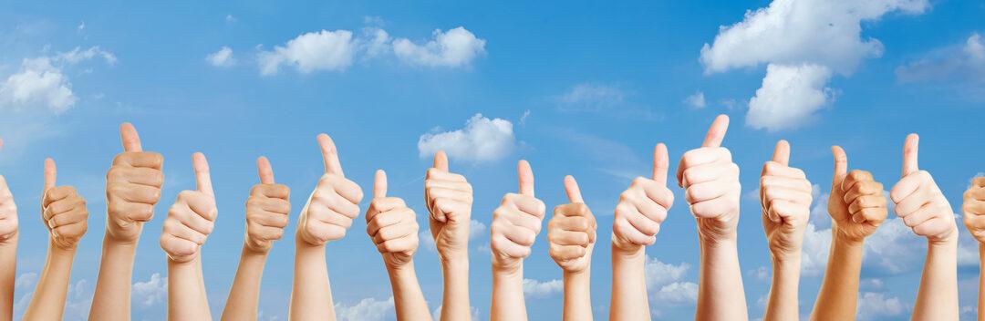 Hnde mit Thumbs up Zeichen